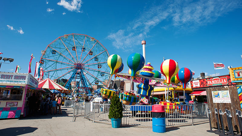 Coney island i new york kjent for sine forn 248 yelser new york tips