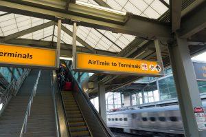 Newark Airtrain tog til Manhattan